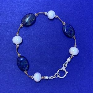 Freshwater pearl lapis lazuli bracelet