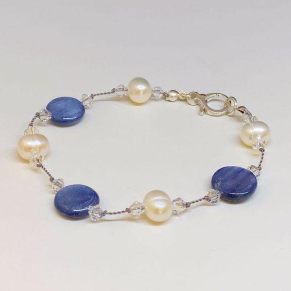 Kyanite and freshwater pearl bracelet