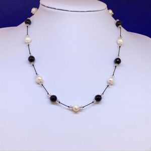 Freshwater pearl onyx necklace