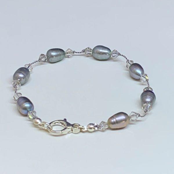Freshwater pearl and Swarovski crystal bracelet